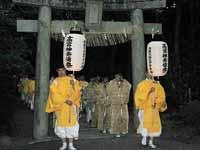 神奈備祭 神職さん行列高宮入り口鳥居通過出立